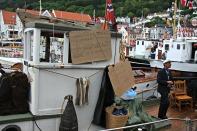 Gjengen i båten Silden hadde rekvisittene i orden, og Fromreide skilde seg ut med sin bydress