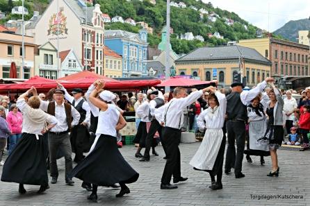 Strilaringen dansa
