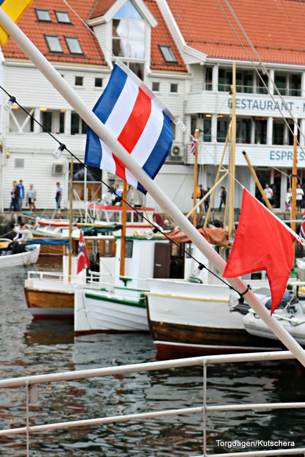 Flaggpynta båter