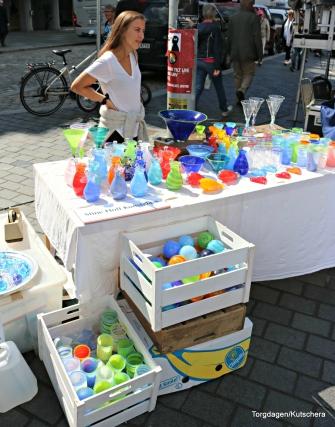 Stine Hoff glasskunst er også eit Economusee som helt til på Hop, der er det høve til å komme å sjå glasfigurar bli til