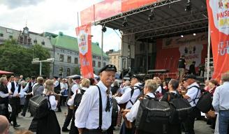 Styreleiar i Torgdagen i Bergen, Svein Tore Solsvik, like før det brakar laus
