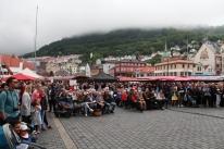 Eit godt og loyalt publikum på Torgdagen i Bergen - Takk til alle!